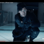 """En skärmdump från trailern till """"A Heist With Markiplier"""" på Youtube. Markiplier pekar mot kameran, klädd som en rånare."""